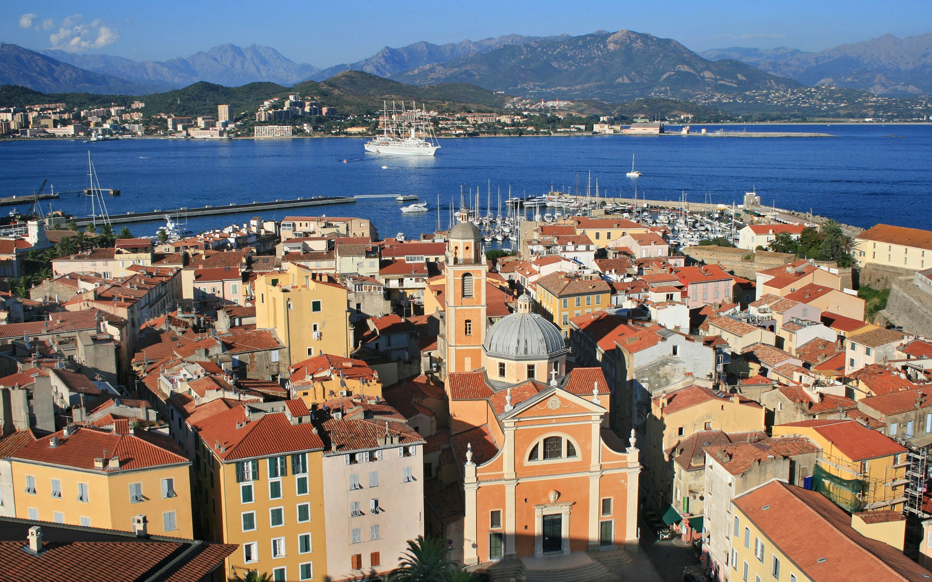 корсика самый большой остров франции: