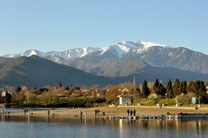 озеро Эскум и гора Канигу