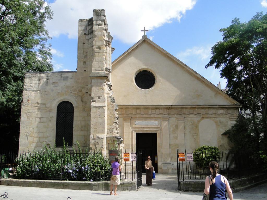 церковь Св. Жюльен-ле-Повр