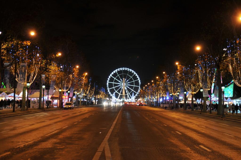 рождественский рынок елисейские поля 2