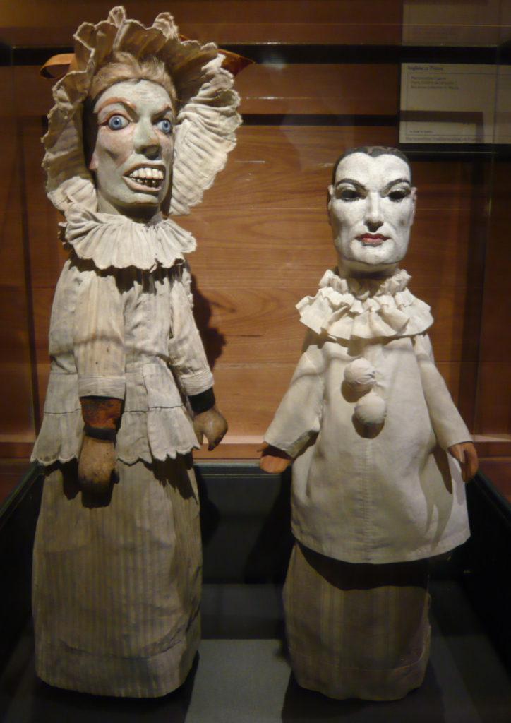 марионетки из музея гадань