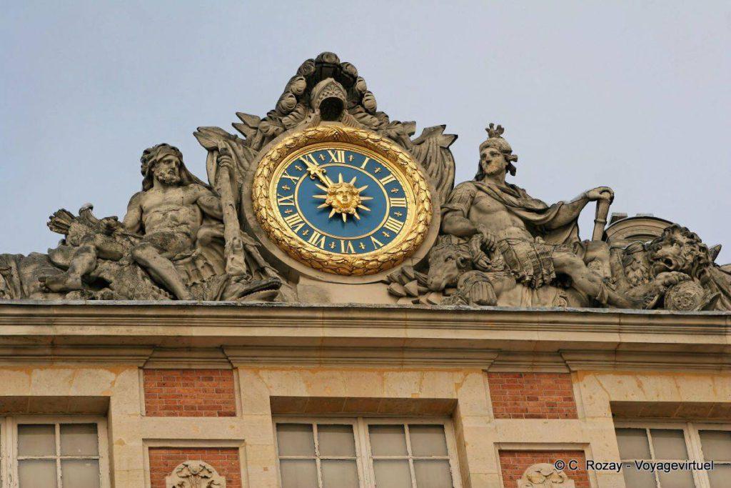 Часы Версальского дворца